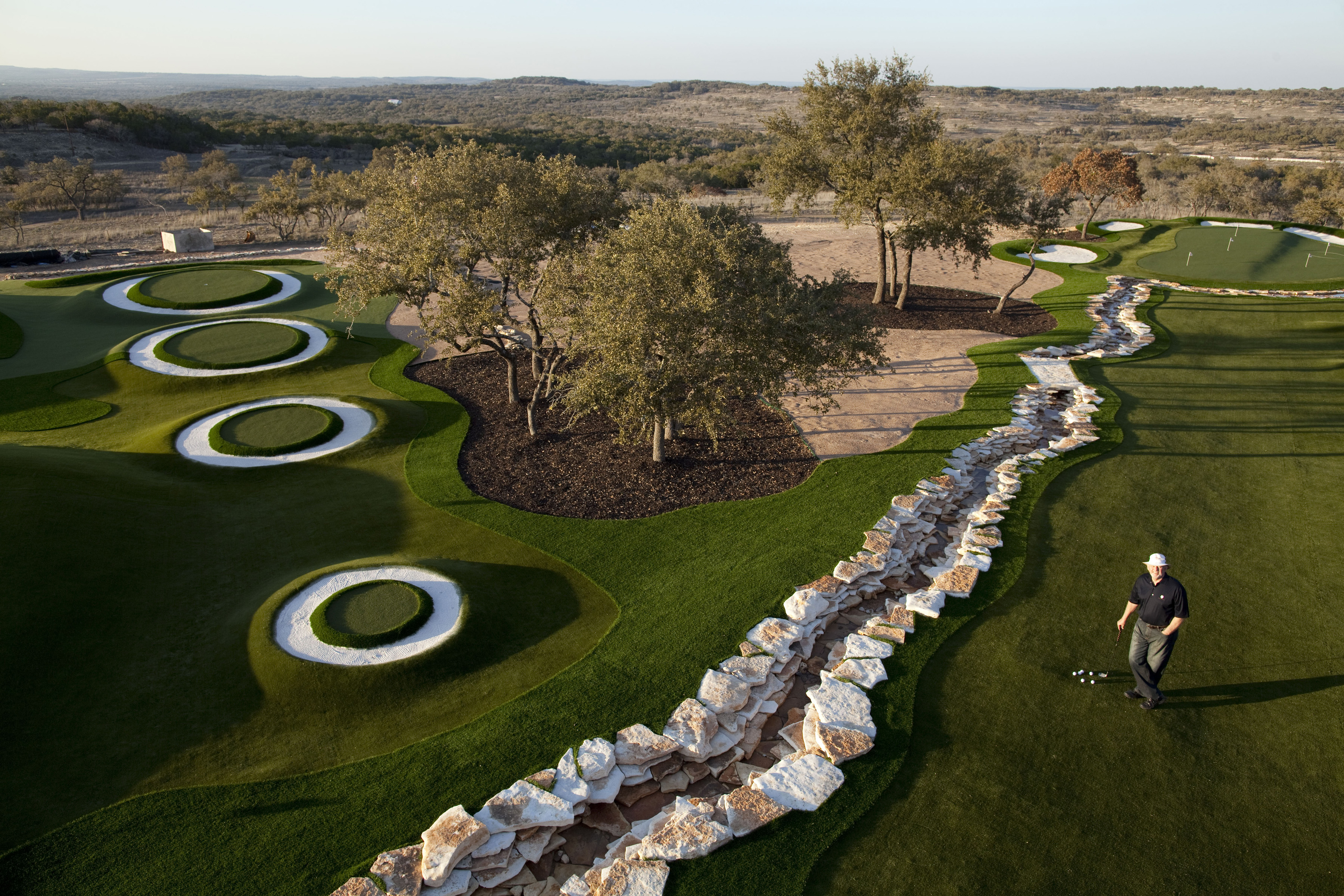 the backyard golf course impressing the pros manspace magazine