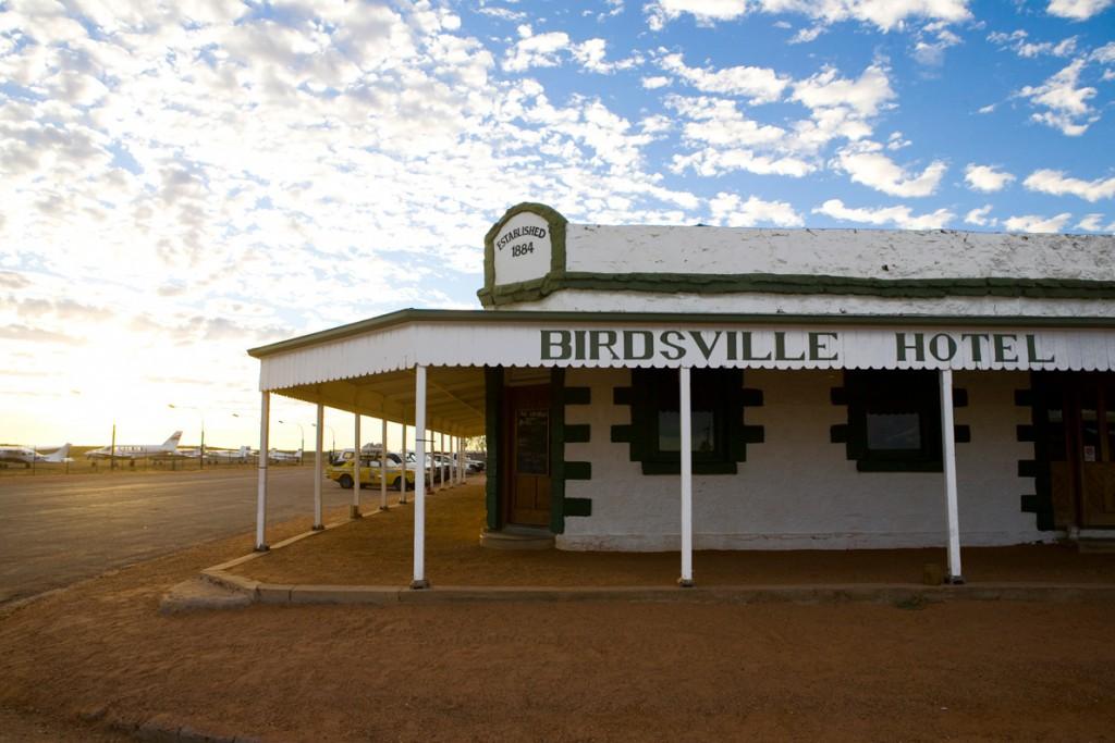 Birdsville-hotel-hero